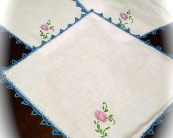 3 Vintage  Napkins Table Linens Embroidered  and Crocheted Napkins Floral Design Napkins Retro Vintage Linens