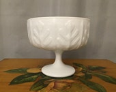 Milkglass Pedestal Bowl Leaf Stem Wine Vine Milk Glass Vintage Shabby Chic Country Living