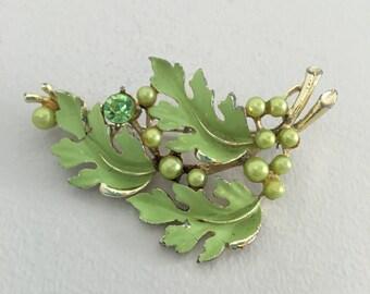 Vintage 1950's Estate Green Enamel Rhinestone & Pearl Oak Leaves Leaf Brooch Pin