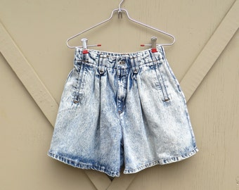 80s vintage Bonjour Acid Wash Pleated High Waist Jean Shorts