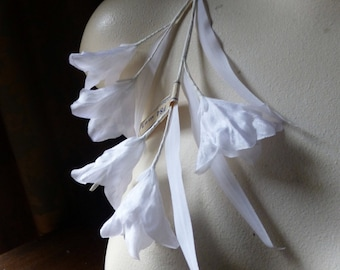 Vintage Silk Flowers in White for Bridal, Hats, Corsages, Costume Design MF 242white
