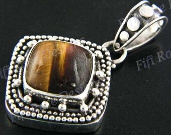 "1 1/4"" Tiger Eye 925 Sterling Silver Pendant"