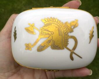 Limoges French Decor Main Porcelain Box