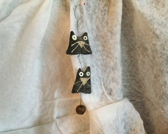 PRIMITIVE, FOLKART CATS, Hanging on wire with bell