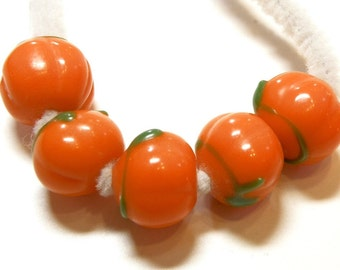 DESTASH -- Five (5) Lampwork Pumpkin Beads