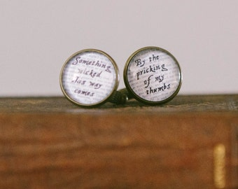 Macbeth Quote Cuff Links - Something Wicked This Way Comes - Shakespeare Cufflinks - Cool Gifts for Men - Wedding Cuff Links