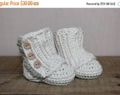 CLEARANCE organic cotton baby boots / all natural baby shoes / vegan / crochet baby shoes / 0-6 months / baby wrap boots / ready to ship