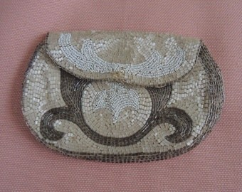Vintage Beaded Change Purse - Art Deco Change Purse - 4 By 6 Inches