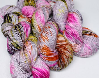 Hand Dyed Speckled Sock Yarn - SW Sock 80/20 - Superwash Merino Nylon - 400 yards - Killer Queen