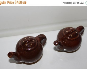 On Sale Vintage Salt and Pepper Set ~ Tea Pots ~ Dark Brown Glaze ~ Ceramic