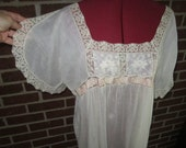 Vintage 1920s Beautiful Fine Linen Nightgown with Filet Lace Embroidered Bodice