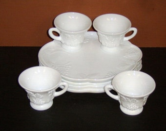 4 Vintage COLONY HARVEST GRAPE Milk Glass Snack Luncheon Plates & Cups~Perfect