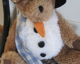 Cute Vintage Boyds Bear Plush Snowman with Carrot Nose