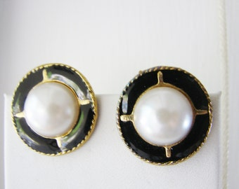 Vintage gold and black enamel circle shield earrings with white pearl accents (B3)