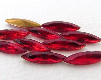 Vintage Rhinestone Navette Siam Ruby Red Glass Jewel 15x4mm rhs0569 (10)
