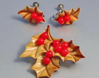 Celluloid Holly Demi Parure, Set, Holly Berries, Christmas Set, Vintage 1940 Jewelry
