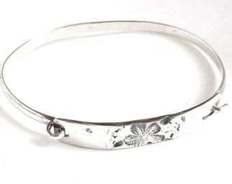 Sterling sand dollar bracelet, medium bracelet, beach accessory, shell jewelry, SCUBA gift, cruise gift
