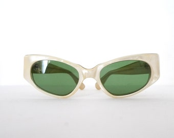 Swank Vintage 50s Frame France Cat Eye Glasses Sunglasses Eyeglasses White Pearl Cats Eyes Rockabilly Hippy MCM Hollywood Screen Star