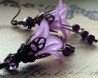 Amethyst Earrings, Purple Flower earrings, Lavender Earrings, Bridesmaid earrings, Gifts for mom. Gifts for gardeners
