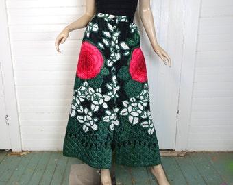 70s Quilted Skirt in Big Roses- 1970s Maxi Skirt- Magenta & Green- Hippie / Boho / Festival