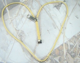 Vintage Zipper Necklace Great Retro Design Light Yellow Beauty Zipper 1980s Necklace