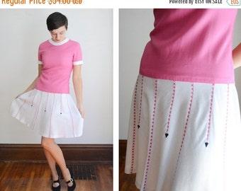 SUMMER SALE 1960s White and Pink Dropwaist Dress - M