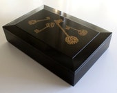 Fantastic mid century modern Couroc box with brass key inlay...