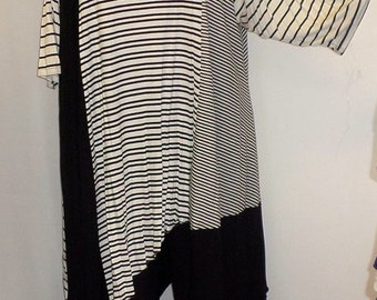 Coco and Juan Plus Size Top Asymmetric Tunic Top Multi Stripe #6 Knit Size 2 (fits 3X,4X)   Bust 60 inches