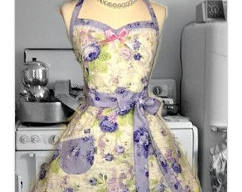Woman's handmade full size apron in Shabby Chic Roses, Kitchy, retro, feminine, Bridal gifts, gifts for her, hostess, kitchen
