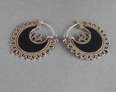 Balinese Sterling Silver Black Mother of Pearl Hoop Earrings / Bali handmade jewelry / silver 925 / nacre