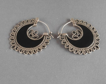 Balinese Sterling Silver Black Mother of Pearl Hoop Earrings / Bali handmade jewelry / silver 925 / nacre