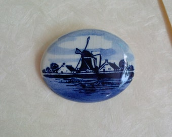Vintage Holland porcleain brooch - Dutch delft blue style windmill scene, blue white oval - Handpainted brooch for gift and collectable