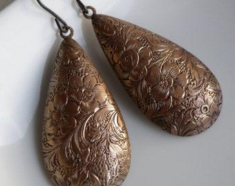 Vintage brass earrings, vintage brass teardrop earrings, vintage brass drops, copper drop earrings