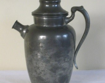 Vintage Pewter Martini Shaker /Coffee Pot, Old Colonial Pewter Cocktail Shaker, 1930s 1940s Barware Hallmark