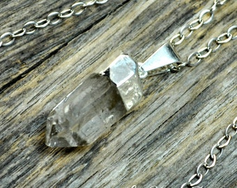 Small Crystal Necklace, Crystal Pendant, Crystal Point, Raw Crystal, Clear Crystal, Quartz Necklace, Silver Necklace, Sterling Silver Chain