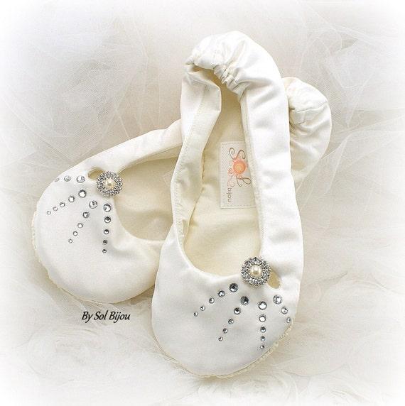 Wedding Flats, Ivory, Cream, Ballet Flats, Crystal Flats, Bridal Flats, Wedding Shoes, Ballet Slippers, Crystal Button, Pearls,Satin Flats