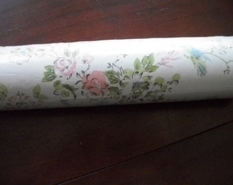 Vintage Wallpaper Double roll Prepasted   New made in Canada Pink Flowers ~  Shabby Cottage Chic on Sale