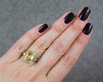 Vintage 1940s 10K Gold Pale Yellow Baguette Glass Ring Size 4.75