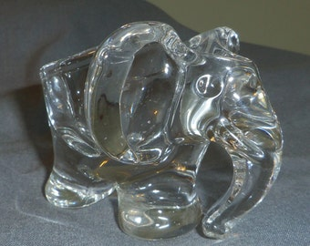 Elephant shaped Crystal Pipe Rest Holder by Art Vannes of France 11 cm x 8 x 9 cm