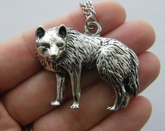 1 Wolf charm antique silver tone NB9