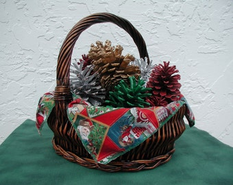 Christmas Centerpiece Basket, Christmas Rustic Centerpiece, Rustic Christmas Decor, Wicker Basket Full of Painted Pinecones from Florida