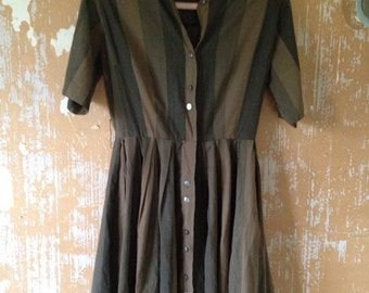 ON SALE vintage. 50s Army Green Striped Cotton Dress // M L