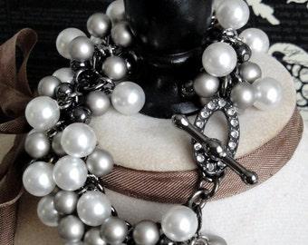 SALE - ANNE BOLEYN Pearl Charm Bracelet. Faux White & Gray Pearls. Lovely Rhinestone Clasp. Inspired by Anne Boleyn. Pay It Forward. pif