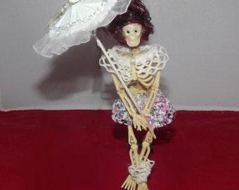 Tonya - CAKE DECORATION - Skeleton