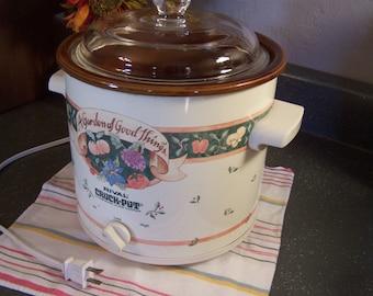 Vintage Rival Slow Cooker, Crock Pot, 3 QT, Sage Green, Ivory, Nice Condition