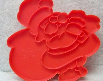 Santa Claus With Bag Cookie Cutter ~ Red Wilton Cookie Mold ~ Detailed Jolly Old Elf Cut Out ~  Kitchen Tested ~ Recipe