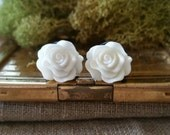 Flower Plugs, Wedding Gauges, White Roses