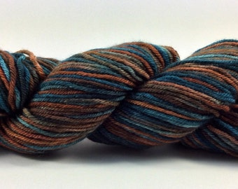 Hand dyed worsted yarn - Tomboy