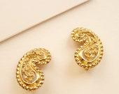 Vintage Monet Gold Paisley Earrings 1.25 Inches c. 1970s Boho Style