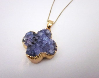 Amethyst Stone Pendant Necklace -- Druzy Quartz Necklace -- Purple Druzy Necklace -- Purple Druzy & Gold Necklace -- Druzy Stone Necklace